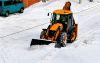 Вечная проблема: припаркованные автомобили мешают работе снегоуборочной техники