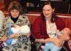 Мэр поздравил молодых родителей с пополнением